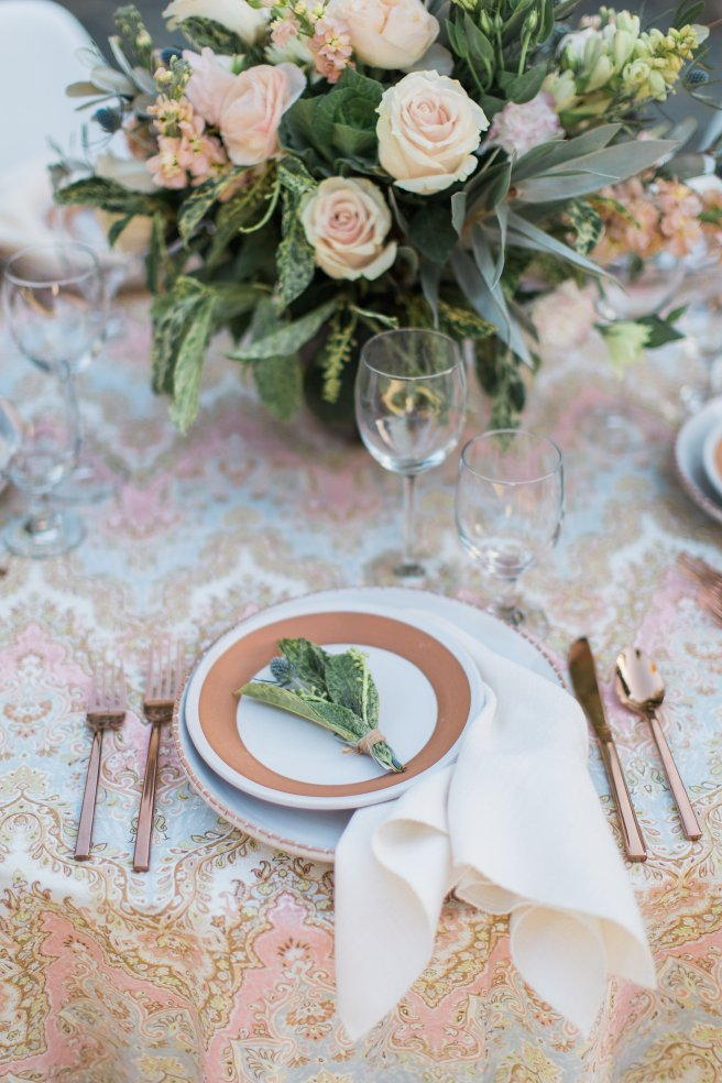partypleasersblog.wordpress.com, rose gold flatware, terra cotta dishes, rosewater palace sari linen